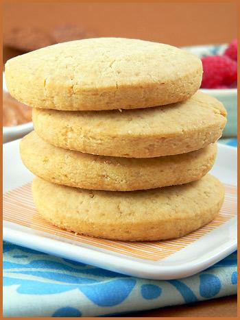 Shortbread Cookies and Rhubarb compote — Sablés et compote de ...