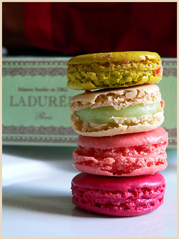 les macarons de ladur e ladur e macarons la tartine gourmande. Black Bedroom Furniture Sets. Home Design Ideas