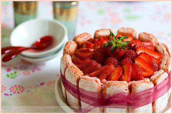charlotte dessert strawberry raspberry fruit