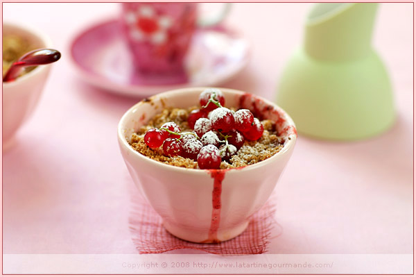 crumble custard fruit stewed